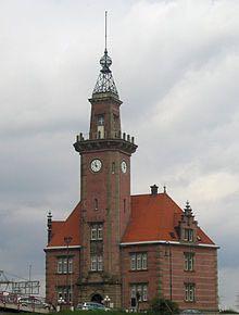 220px-Altes_Hafenamt_Dortmund